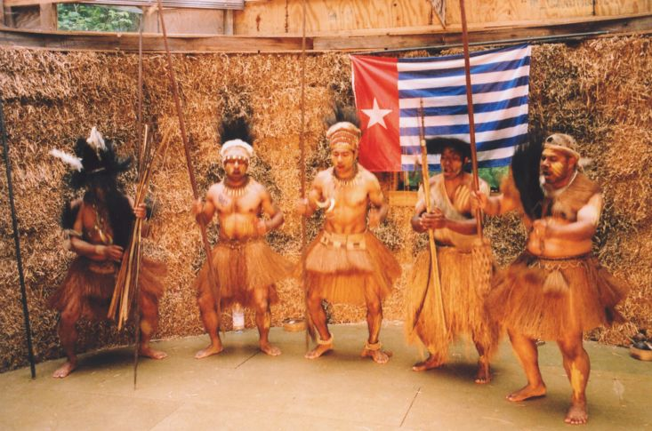 Mambesak Group spear dance at The Strawbale Studio in May 2004