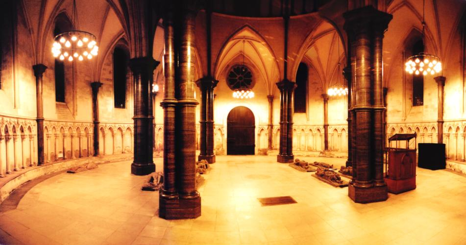 [ Panorama view of the circular nave in Temple Church ]